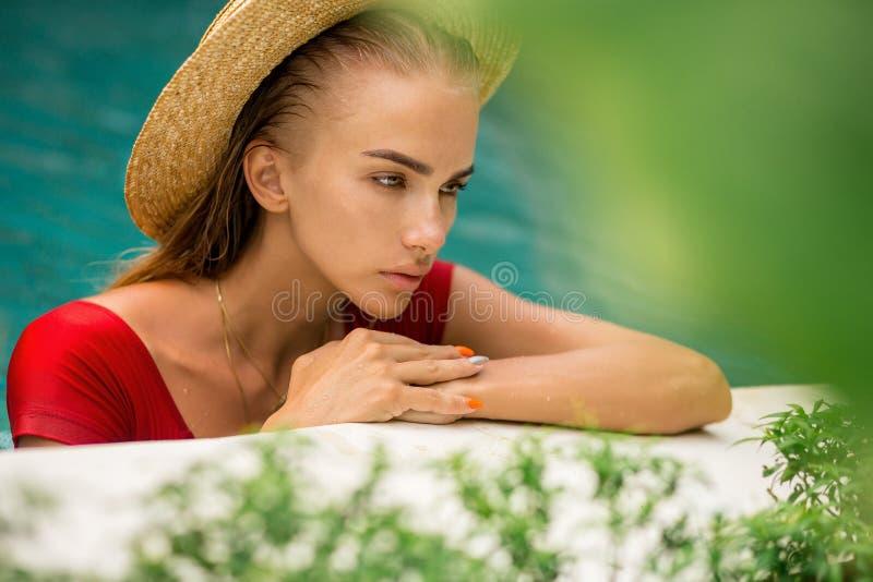 Senhora 'sexy' em férias fotografia de stock royalty free
