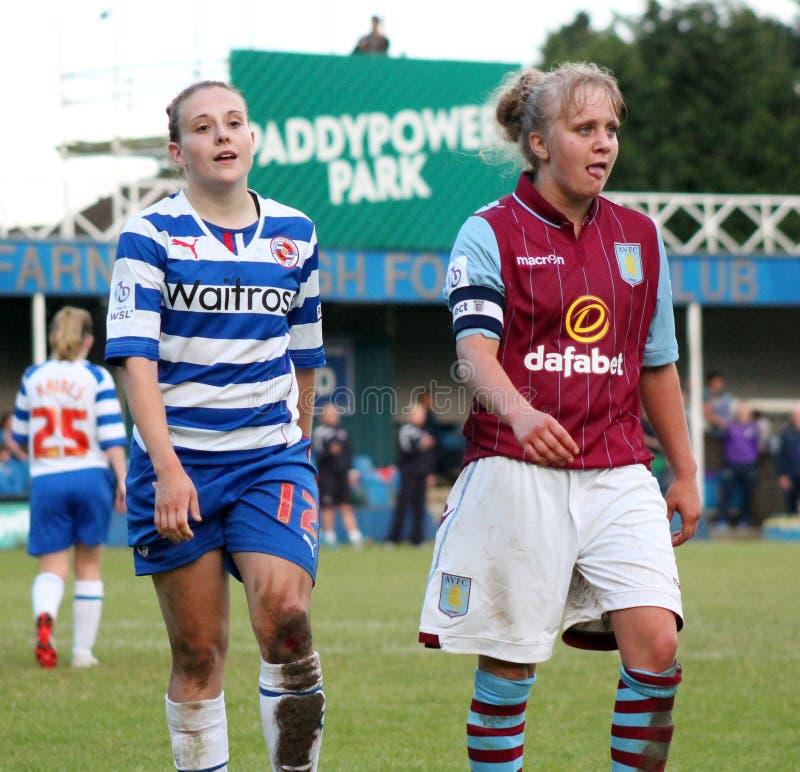 Senhoras das mulheres v Aston Villa da leitura FC fotos de stock
