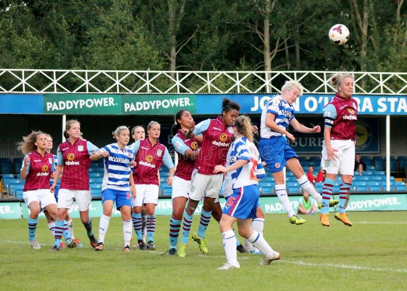 Senhoras das mulheres v Aston Villa da leitura FC imagem de stock royalty free