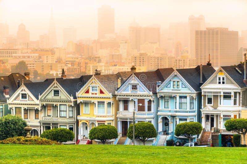Senhoras pintadas de San Francisco, Califórnia, EUA imagens de stock