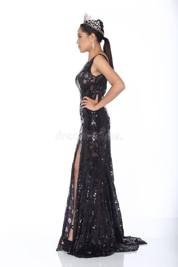 Senhorita Pageant Contest no vestido de bola longo do vestido de bola da noite com D fotografia de stock