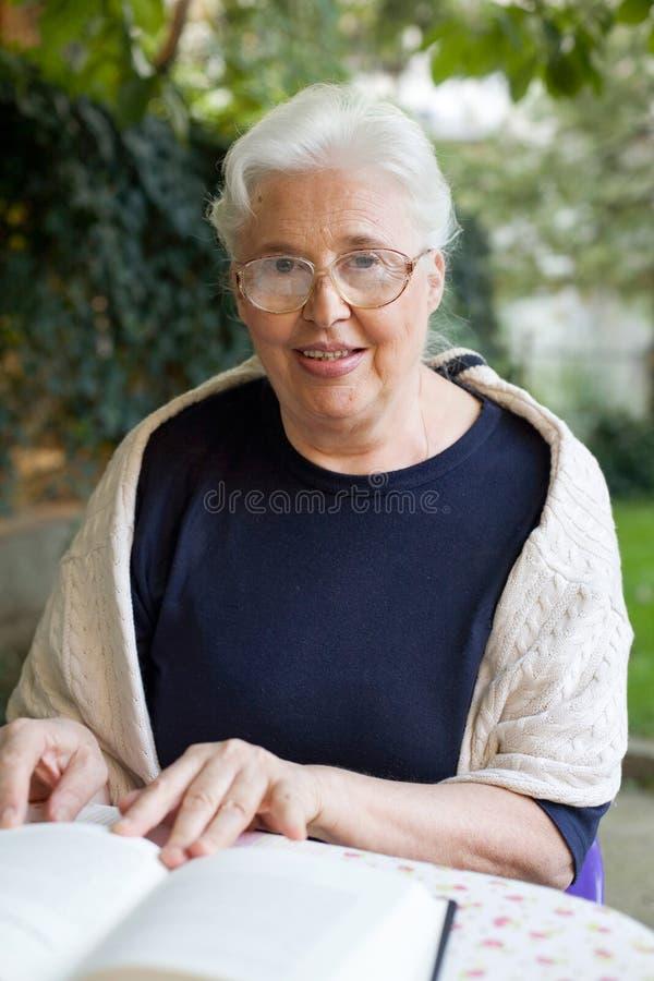 senior woman στοκ φωτογραφίες με δικαίωμα ελεύθερης χρήσης