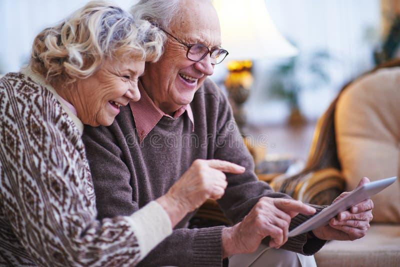 Seniora networking fotografia stock