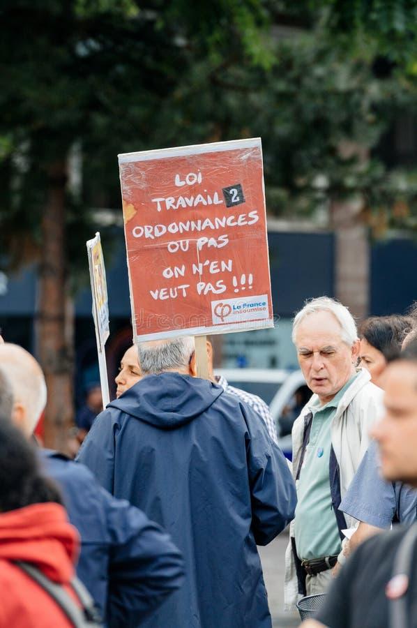 Seniory i youngs protestuje przeciw Macron prawu pracy zdjęcie royalty free