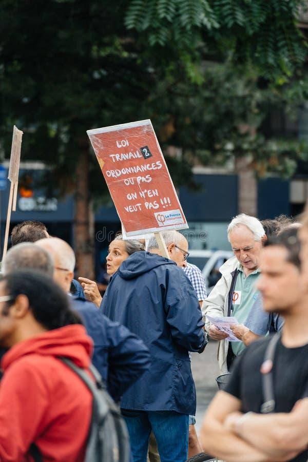 Seniory i youngs protestuje przeciw Macron prawu pracy obraz stock