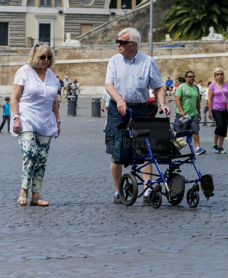 Seniory odwiedza Rome zdjęcie stock