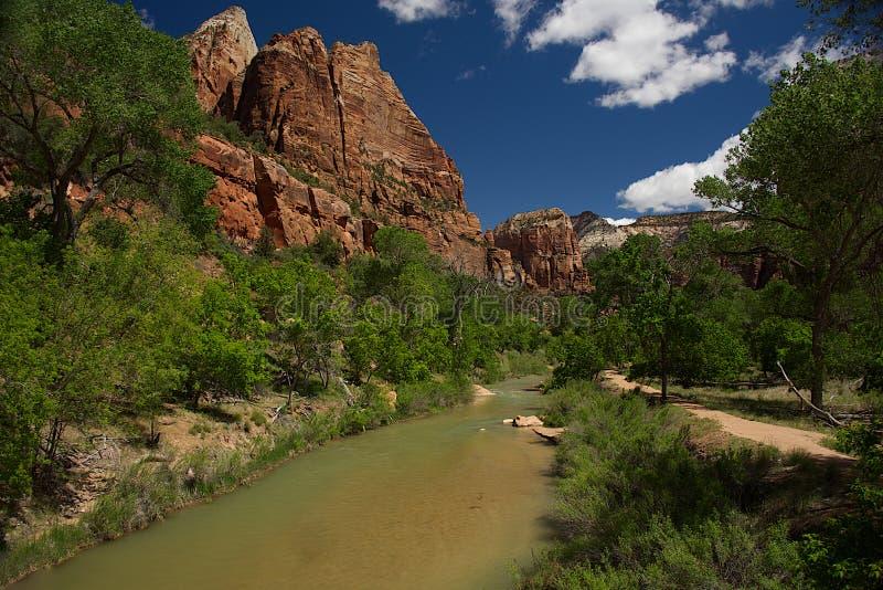 Senken Sie Emerald Pool Trail A lizenzfreies stockfoto
