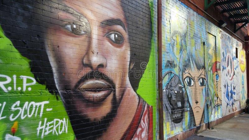 Senken Sie Ostnebenstraße-Graffiti stockfotografie