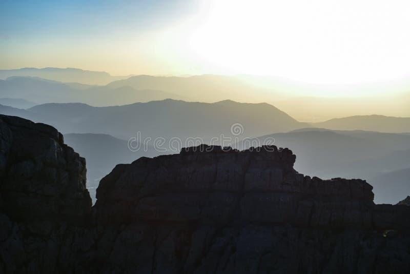 Sens de découverte, de nouveaux endroits, de différentes géographies et de paysages magnifiques image stock