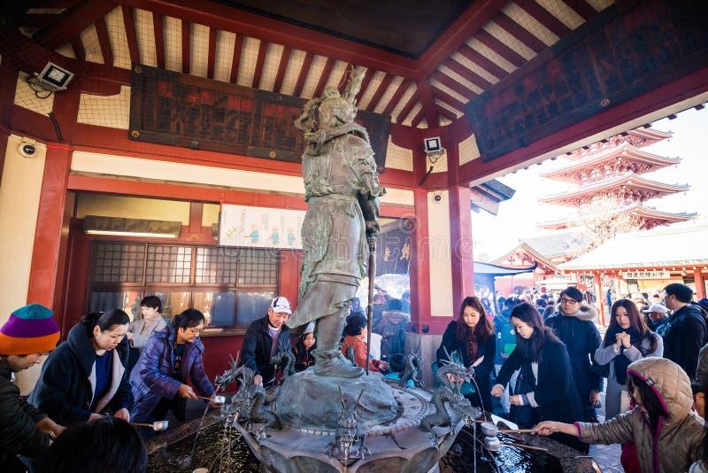 Download Sensoji寺庙在东京,日本 编辑类库存图片. 图片 包括有 寺庙, 旅行, 的btu, 同伴关系, 聚会所 - 72371619