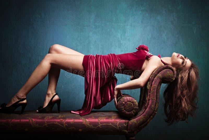 Sensuele elegante vrouw royalty-vrije stock afbeelding