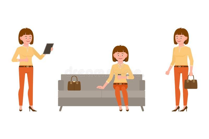 Sentándose en el sofá, café de consumición, usando la tableta, juego de caracteres permanente de la muchacha Joven, sonriendo, ve stock de ilustración