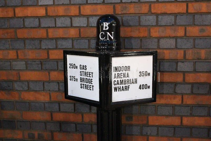 Sentido da rua do canal da caixa postal de Birmingham fotos de stock royalty free