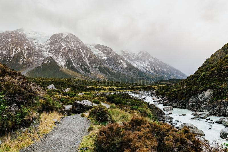 Sentier de randonnée de voie de vallée, Nouvelle-Zélande photo stock