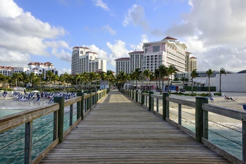 Sentiero costiero sulla spiaggia in Bahamas fotografia stock