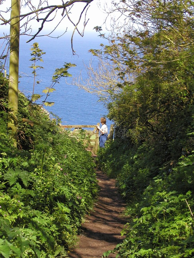 Download Sentiero Per Pedoni Al Mare Fotografia Stock - Immagine di pista, gateway: 218670