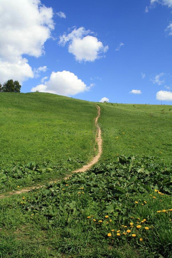 Sentiero per pedoni a cielo fotografie stock