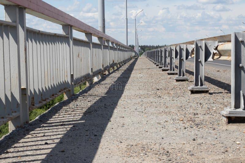 sentiero per pedoni del ponte fotografie stock libere da diritti