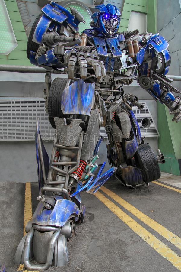 Sentosa, SINGAPORE - APRIL 12, 2016 : Optimus Prime Robot Model van de film van TRANSFORMERS De rand bij Universele Studio royalty-vrije stock foto's