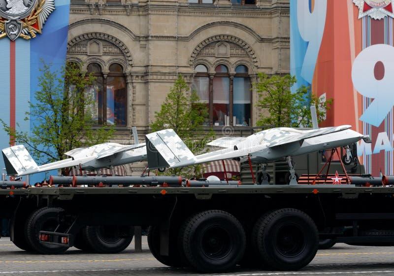 ` Senza equipaggio del corsaro del ` degli aerei sul quadrato rosso durante la ripetizione della parata dedicata al settantatrees fotografie stock libere da diritti
