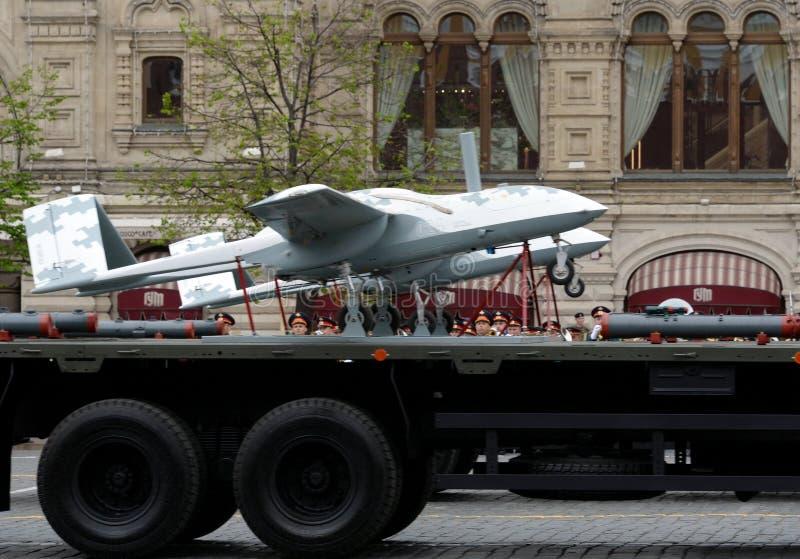 ` Senza equipaggio del corsaro del ` degli aerei sul quadrato rosso durante la ripetizione della parata dedicata al settantatrees immagini stock