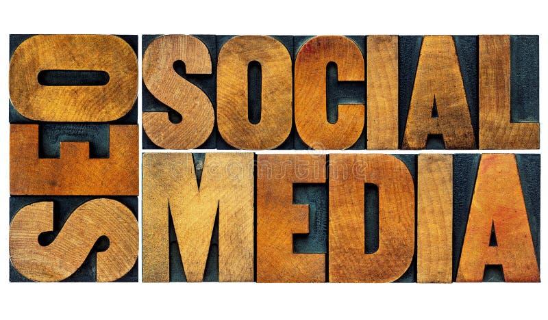 SEO et abrégé sur social mot de media photographie stock libre de droits