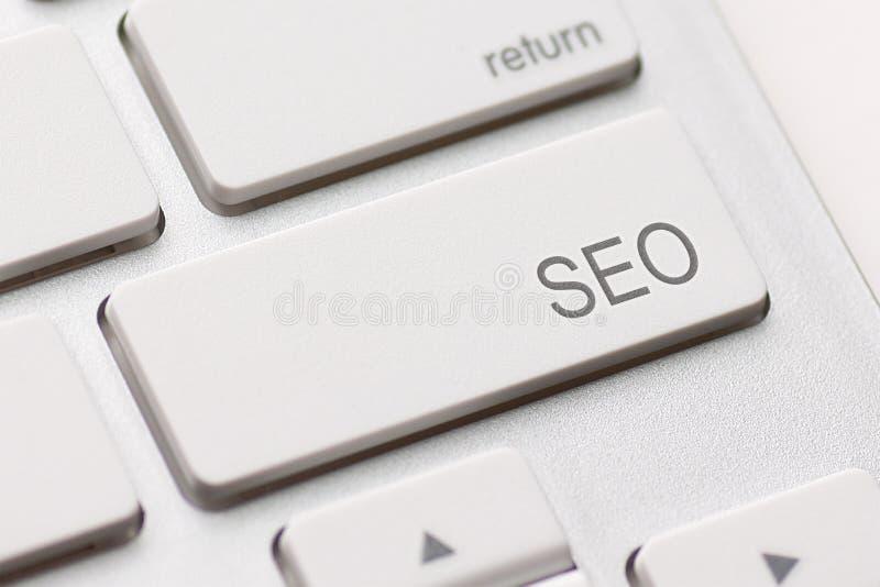SEO-knapp på tangentbordet royaltyfri foto