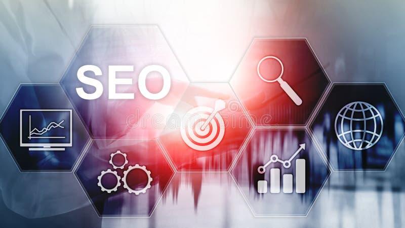 SEO - Optimisation de moteur de recherche, vente de Digital et concept de technologie d'Internet sur le fond brouill? photos libres de droits