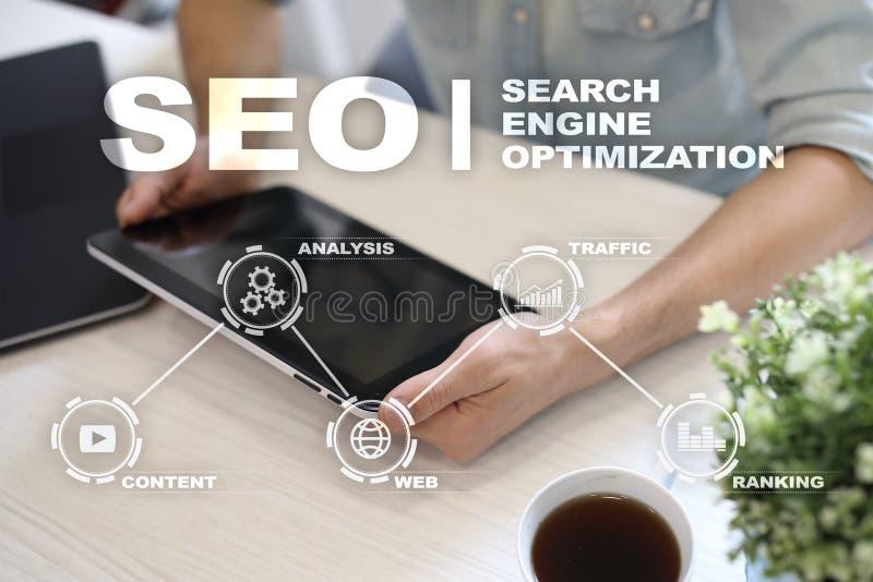 Seo Ottimizzazione di Search Engine Concetto online di tecnologia del andInetrmet di vendita di Digital fotografia stock libera da diritti