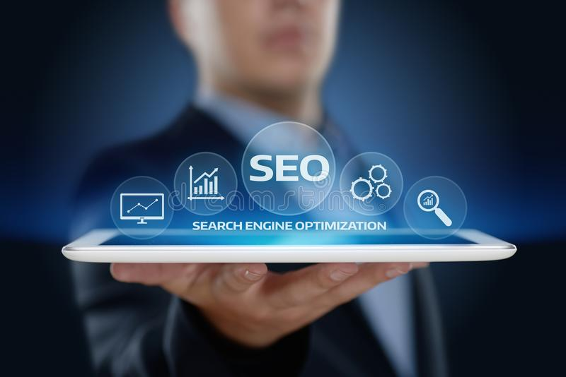 SEO Search Engine Optimization Marketing die van Bedrijfs Internet van de Verkeerswebsite Technologieconcept rangschikken stock afbeelding
