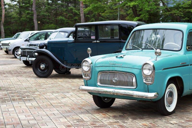 Seoel - 03 18 2019: Klassiek retro auto's zijaanzicht, uitstekende achtergrond royalty-vrije stock afbeeldingen