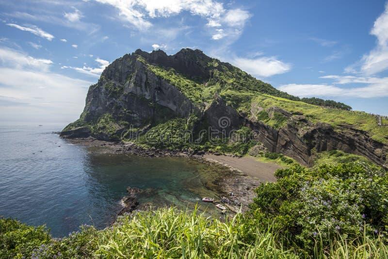 SeongSan Ilchulbong w Jeju wyspie, Południowy Korea (Powulkaniczny rożek) obraz stock