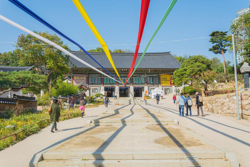 Seoul, Corea del Sud 2015 28 ottobre - tempio di Bongeunsa nella città di Seoul fotografia stock
