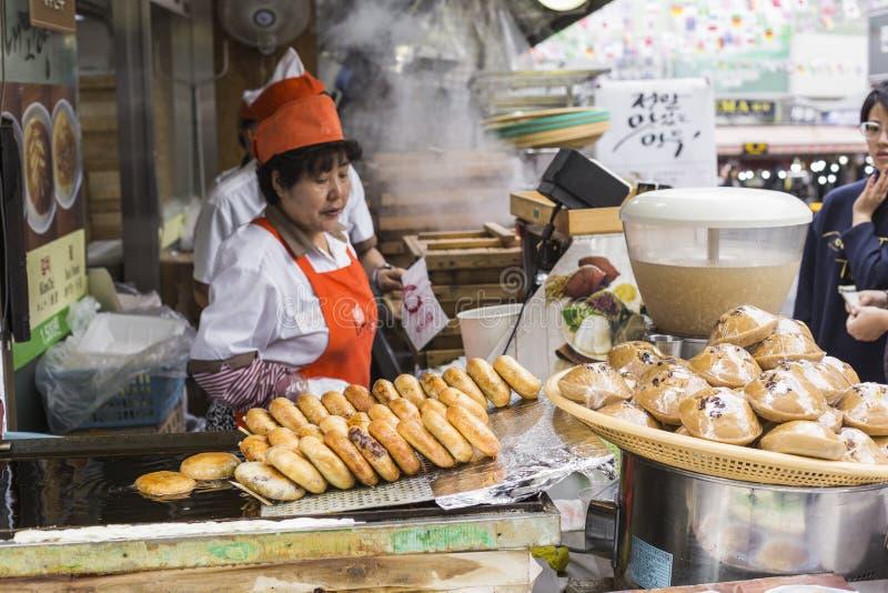 SEOUL - OCTOBER 21, 2016: Traditional food market in Seoul, Korea. stock photos