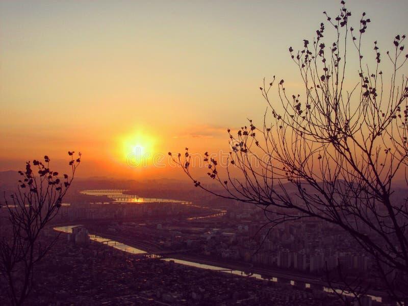 "Seoul, oficialmente o †metropolitano especial da cidade de Seoul ""é a capital de fato e a metrópole a maior da República da Cor fotos de stock"