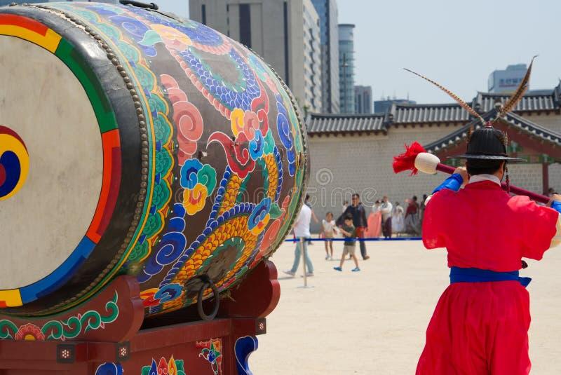 SEOUL, SÜDKOREA May 28, 2017 Der königliche Schutz von Gyeongbokgungs-Palast lizenzfreies stockbild
