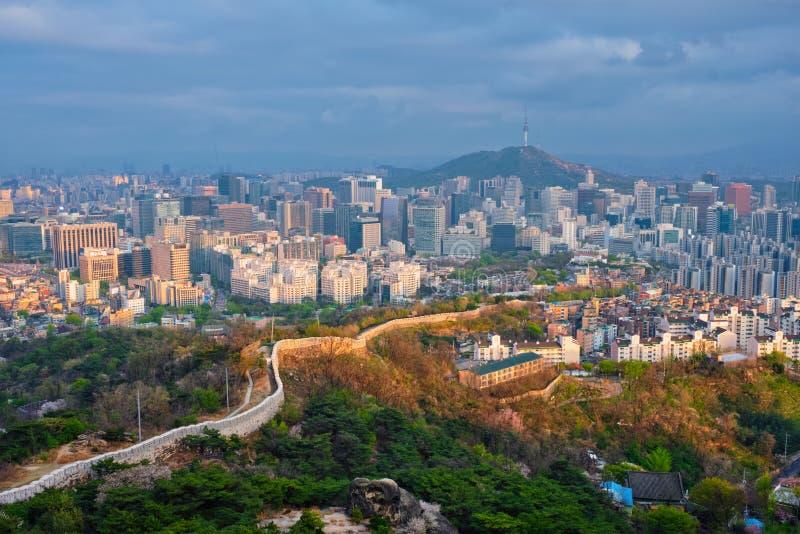Seoul-Skyline auf Sonnenuntergang, Südkorea stockbilder