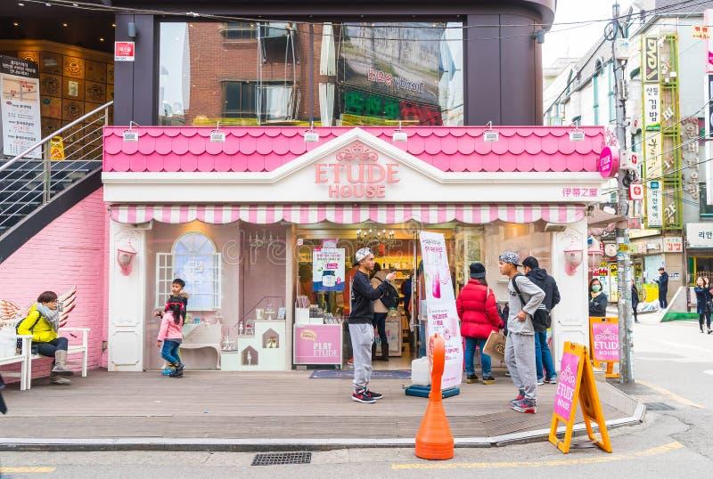Seoul Sydkorea - Mars 8, 2016: Etudehuslager i Seoul E royaltyfri bild