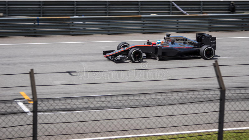 SEPANG - MARS 29: Fernando Alonso royaltyfri foto