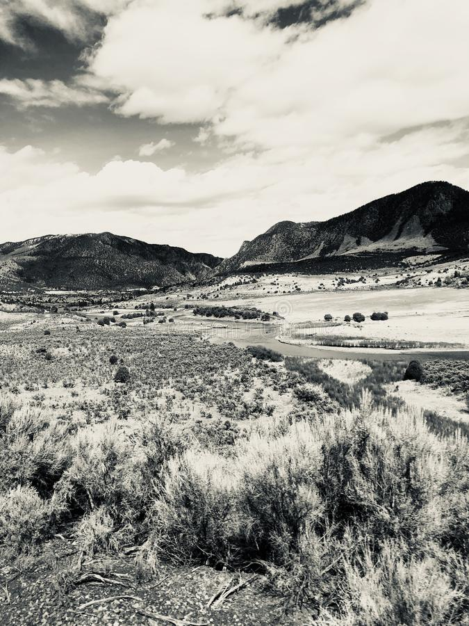 Sepia ландшафта горы стоковое изображение