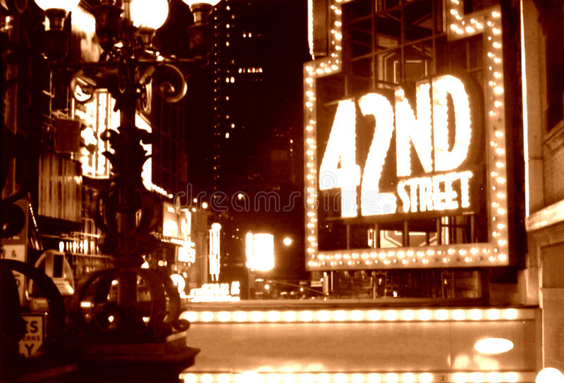Sepia da rua do Times Square 42nd fotografia de stock royalty free