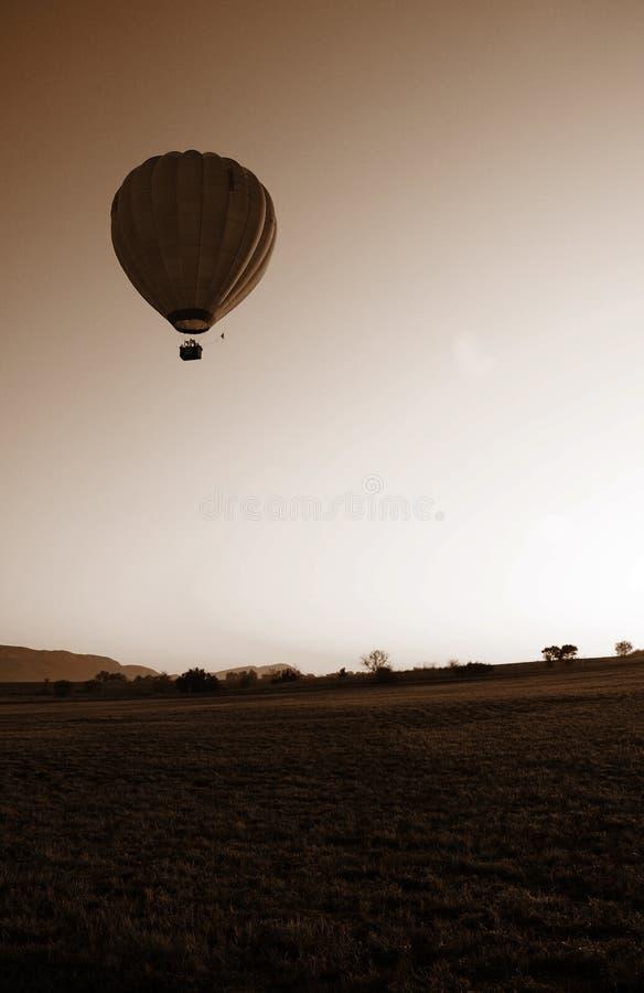 Sepia do balão de ar quente foto de stock