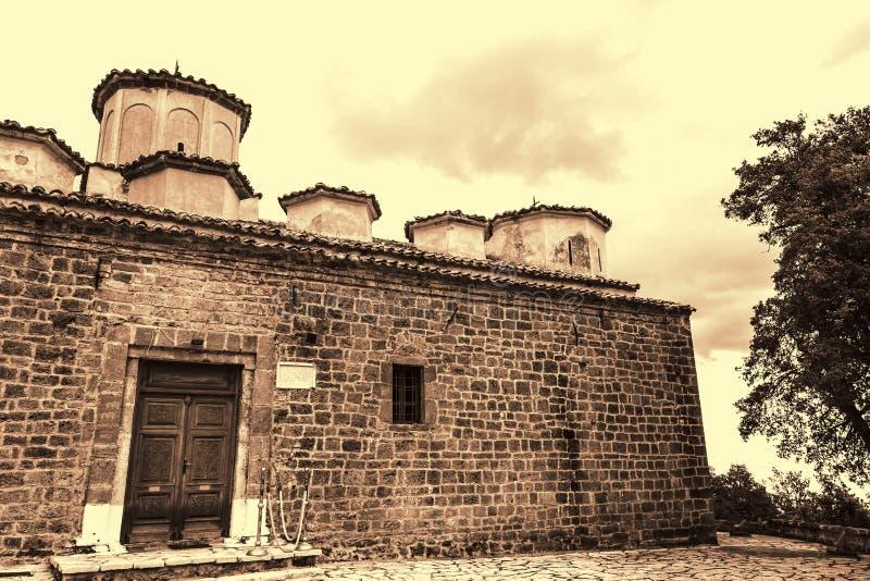 Sepia-Foto der alten byzantinischen Kirche bei Griechenland lizenzfreie stockfotos