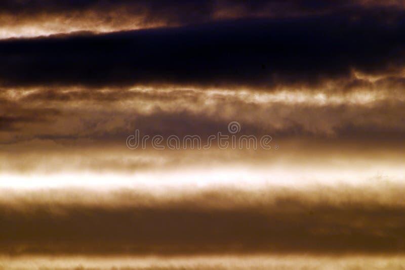 Download Sepia hemelachtergrond stock afbeelding. Afbeelding bestaande uit hemel - 48285
