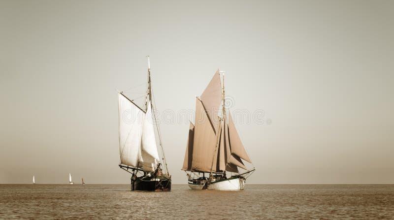 Sepia stemde traditionele schepen royalty-vrije stock foto