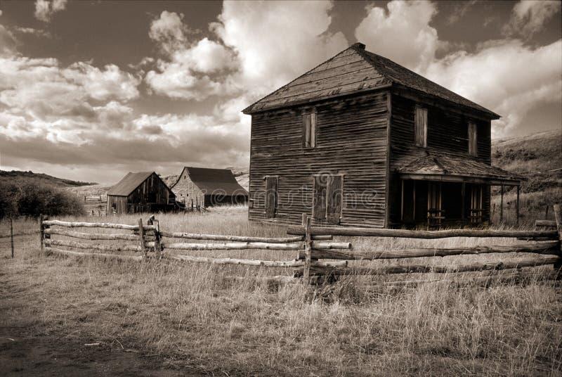 Sepia Tone Photograph av spökeranchen i Dallas Divide nära Ouray Colorado royaltyfri fotografi