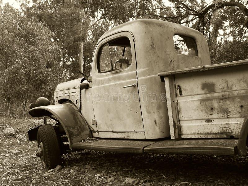 Download Sepialastbil fotografering för bildbyråer. Bild av turkos - 41231