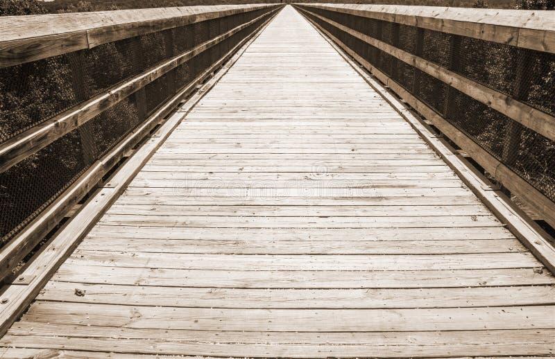 Sepiowy brzmienie widok wysokość mosta ślad Iść Na zawsze zdjęcie royalty free