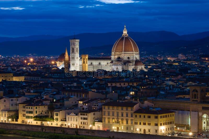 September afton över domkyrkan av Santa Maria del Fiore florence italy royaltyfri bild