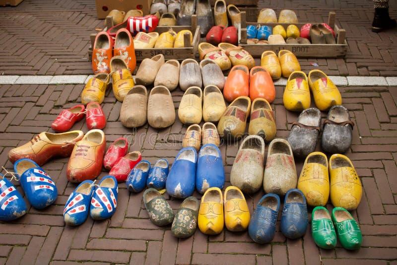 20 September 2018 - Amsterdam, Nederland: Tweede handbelemmeringen voor verkoop stock afbeeldingen